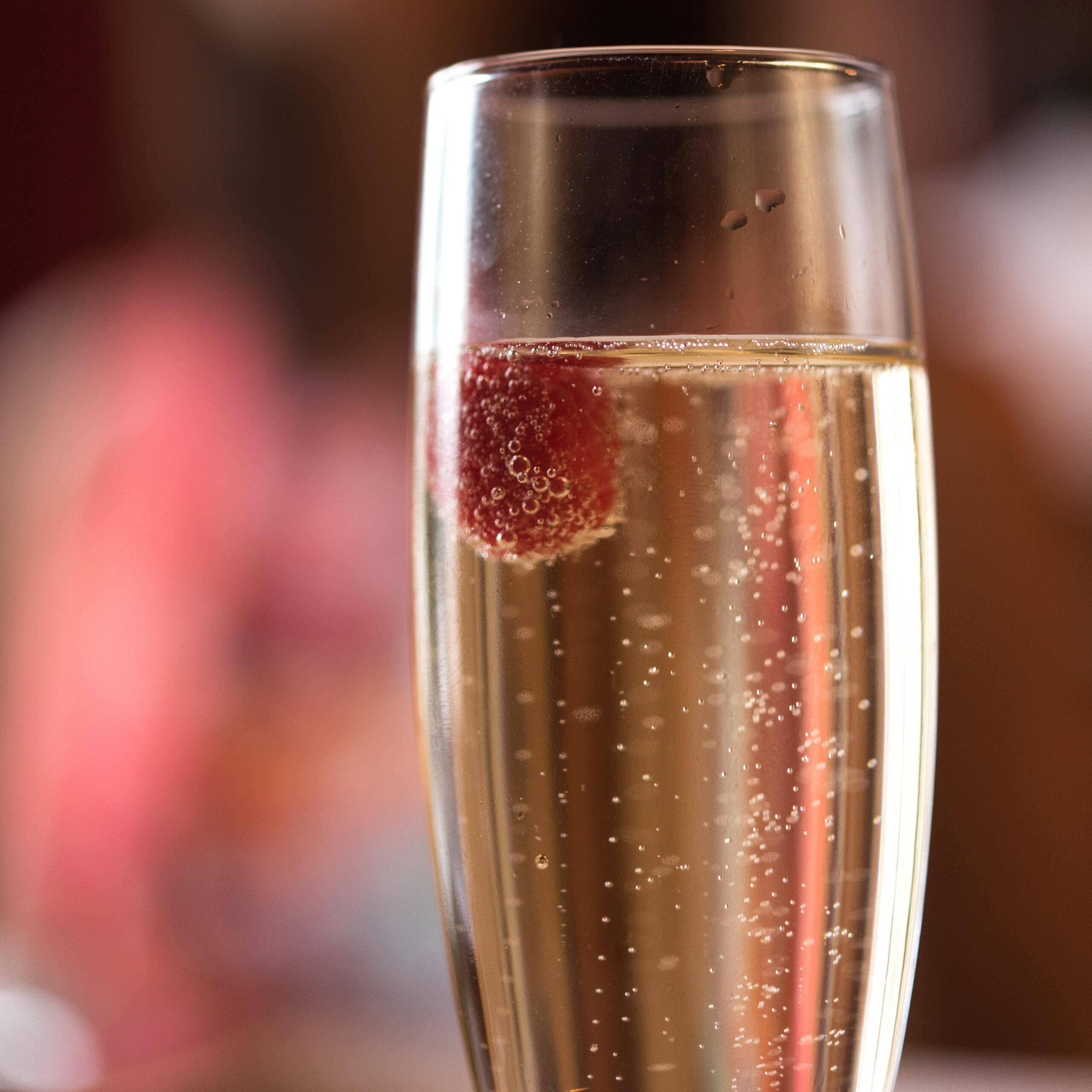 coupe de champagne au domaine des camelias